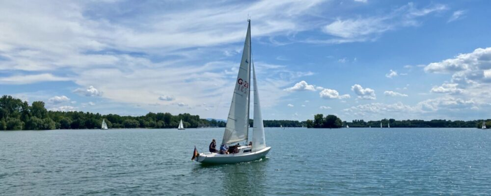 Segeln in den Rheinauen
